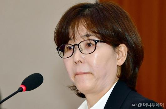 [사진]난감한 질문 받은 이미선 헌법재판관 후보자