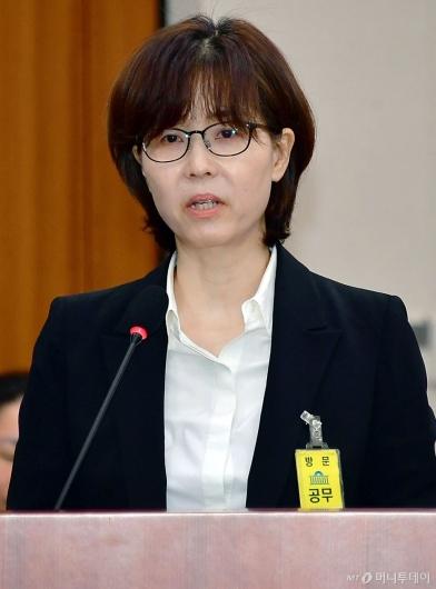 [사진]모두발언하는 이미선 헌법재판관 후보자