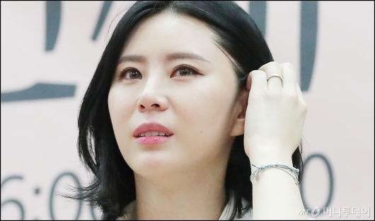 [사진]울먹이는 윤지오