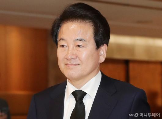 [사진]고 조양호 회장 빈소 조문하는 정동영 대표