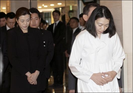 [사진]영결식장 향하는 조현민-조현아