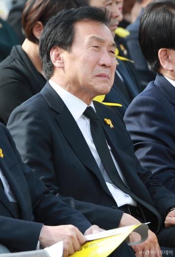 [사진]슬픈 표정의 손학규 대표