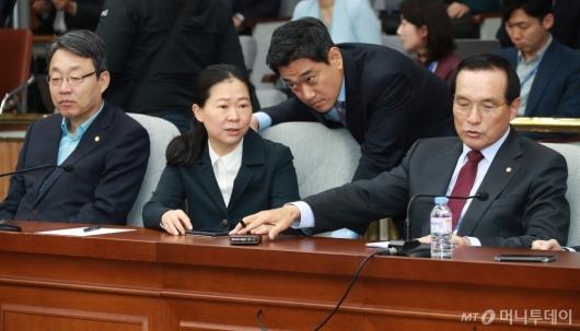 [사진]의총 참석한 김성식-권은희-오신환-김중로 의원
