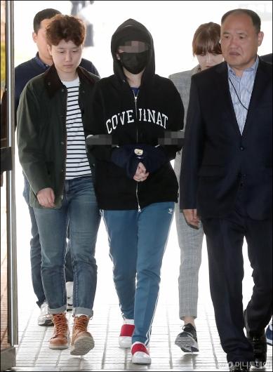 [사진]'마약 혐의' 애나, 영장실짐실사 출석