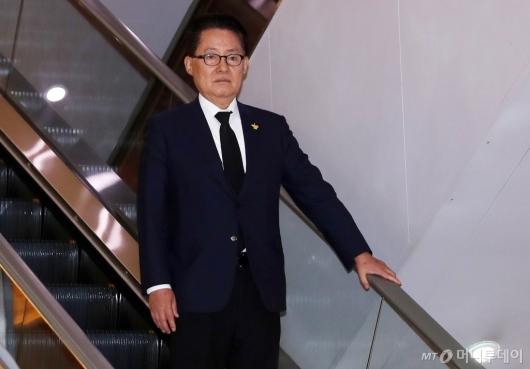 [사진]故김홍일 전 의원 빈소 찾은 박지원 의원