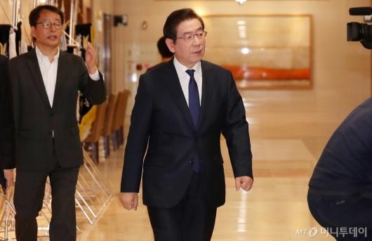 [사진]김홍일 전 의원 빈소 찾은 박원순 시장