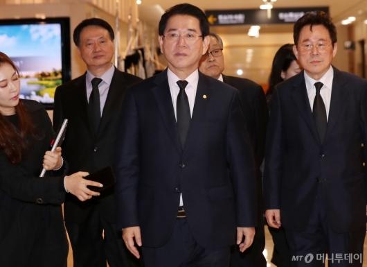 [사진]김홍일 전 의원 빈소 찾은 김영록 전남지사