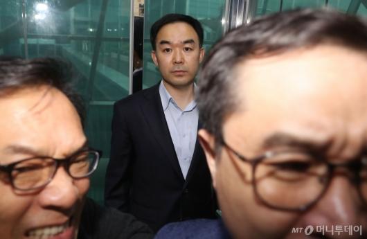 [사진]의원실 '탈출'한 채이배 의원