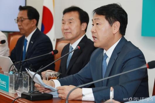 [사진]김관영 '공수처법, 바른미래당 별도 발의할 것'