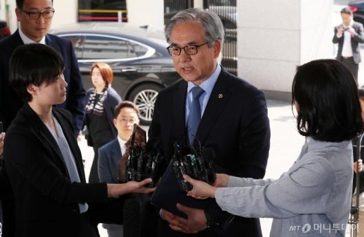 [사진]김효준 BMW 회장, '결함은폐 의혹' 경찰 조사