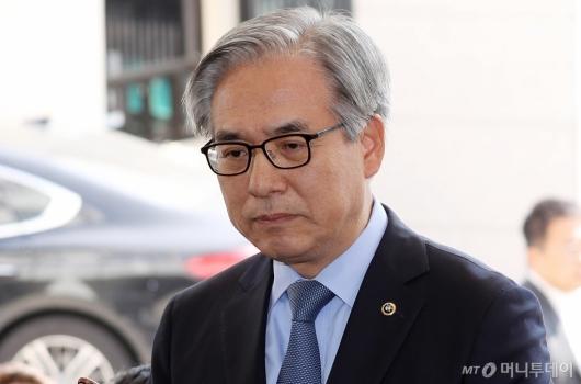 [사진]김효준 BMW 회장, '굳은 표정'