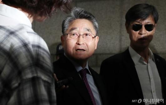 [사진]5·18 북한군 개입설 주장 지만원 속행공판 출석