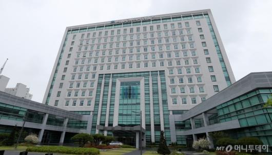 [사진]김학의, 구속 후 사흘만에 첫 소환조사중