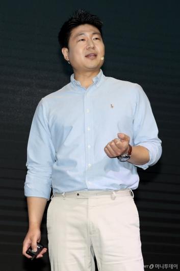[사진]2019 주요 사업 계획 발표하는 류영준 대표