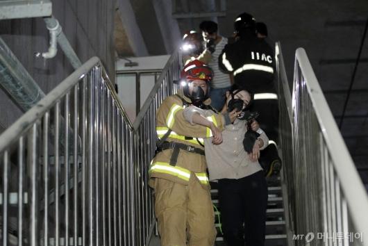 [사진]인천공항, '화재 대응 훈련'