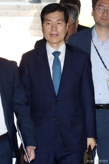 [사진]김태한 삼바 대표 영장실질심사 출석