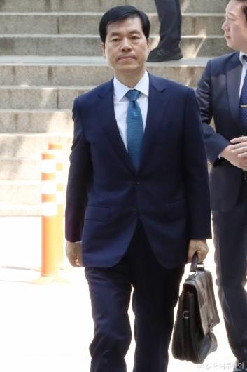 [사진]영장실질심사 출석하는 '삼바 증거인멸 지시 혐의' 김태한 대표