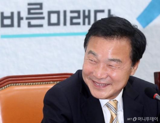 [사진]손학규 '미소'