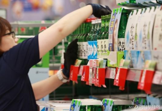 [사진]6월부터 소주·맥주·과자 가격 줄줄이 인상