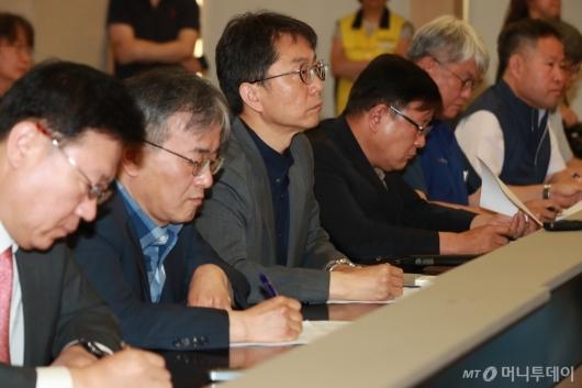 [사진]박준식 위원장, 최저임금 심의 공청회 참석