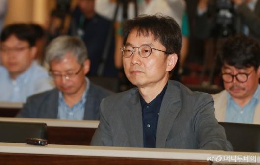 [사진]공청회 참석한 박준식 최저임금위원장
