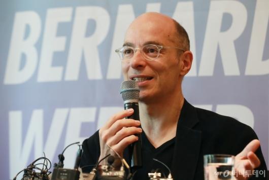 [사진]베르나르 베르베르, '죽음' 한국어판 출간 기자간담회