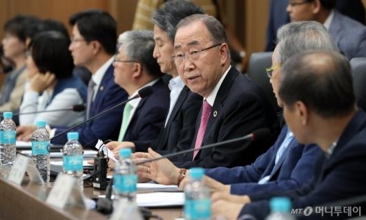 [사진]발언하는 반기문 위원장