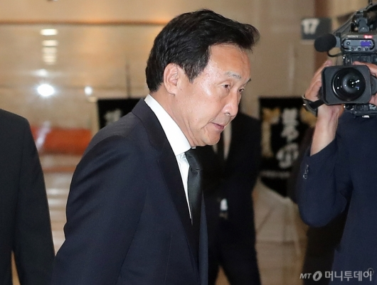 [사진]故 이희호 여사 조문하는 손학규 대표
