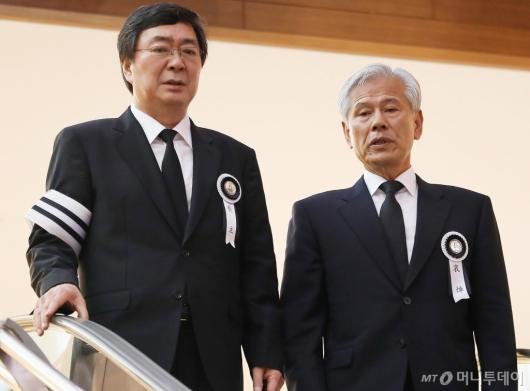 [사진]母빈소로 향하는 김홍업 전 의원