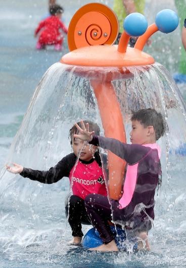 [사진]'물을 다스리는 자'