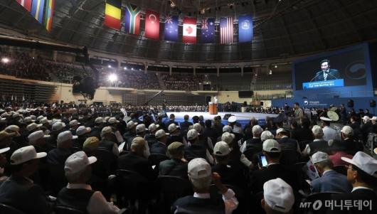 [사진]이낙연 총리, 6.25 전쟁 기념식 연설