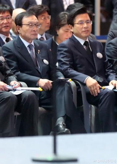 [사진]나란히 앉은 이해찬-황교안
