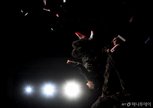 [사진]나비처럼 날아서
