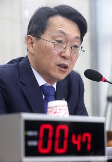 [사진]청문회 답변하는 김현준 후보자
