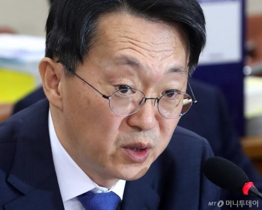 [사진]발언하는 김현준 후보자