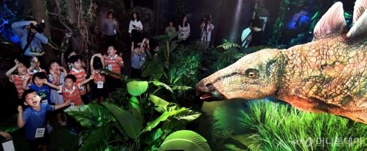 [사진]'공룡이다!'