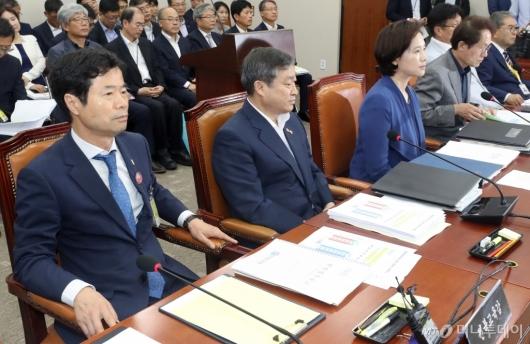 [사진]국회 교육위 전체회의 참석한 전북교육감