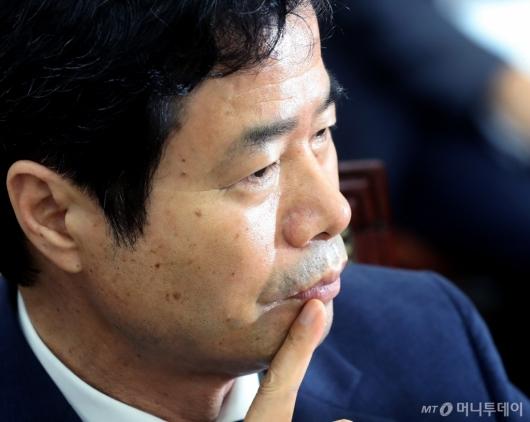 [사진]김승환 전북교육감의 고민