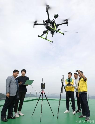 [사진]드론시스템 활용한 항행안전시설 성능점검