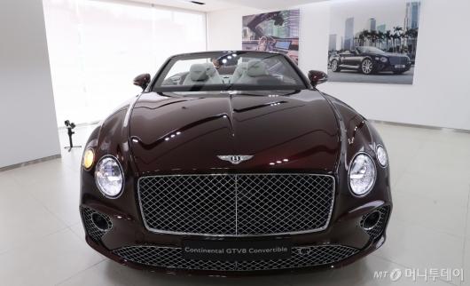 [사진]벤틀리모터스 코리아 'GT V8 컨버터블' 공개