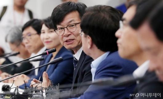 [사진]중소기업인들 만난 김상조 정책실장