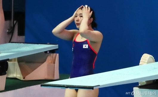 [사진]스프링보드 1m 예선 1차시기 마친 김수지