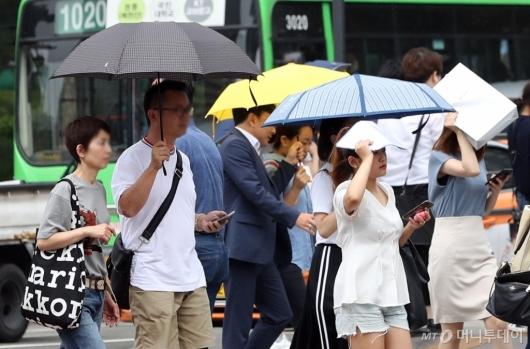 [사진]'우산 필수'