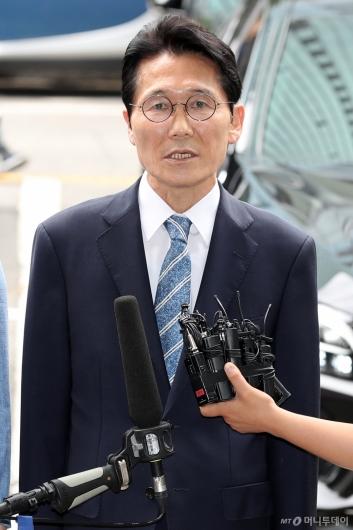 [사진]답변하는 윤소하 원내대표