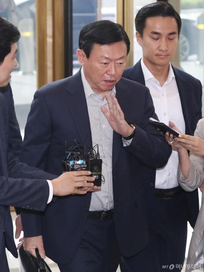 [사진]말 아끼는 신동빈 롯데 회장