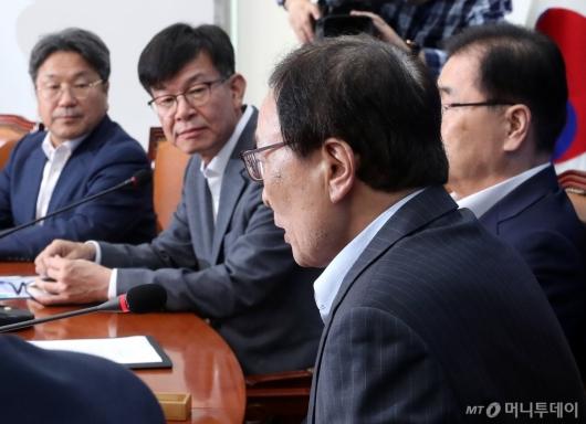 [사진]일본 경제보복대책 발언하는 이해찬 대표
