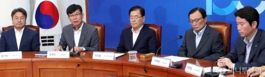 [사진]발언하는 김상조 청와대 정책실장