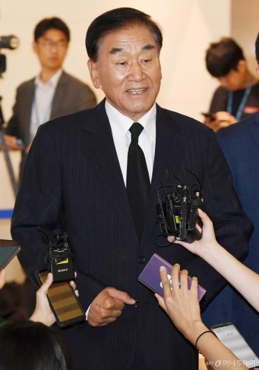 [사진]조문 마친 이재오 전 의원