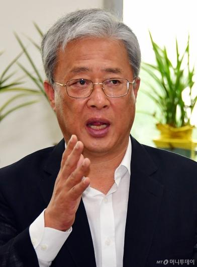 [사진]제3지대 정당 창당 준비하는 유성엽