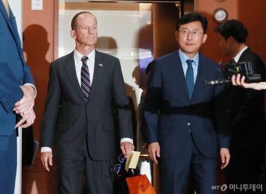 [사진]외교부 일정 마친 스틸웨 美 동아태 차관보